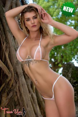 teaseum model Nikki Du Plessis