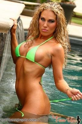 Amanda Nicole beautiful busty bikini babe