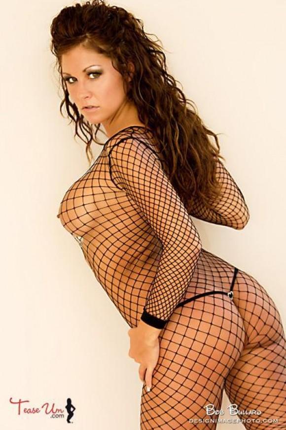 Nicole Mast hot babe in fishnet pic