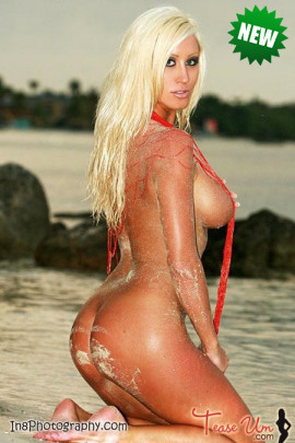 Lauren Reese is naked on the beach!