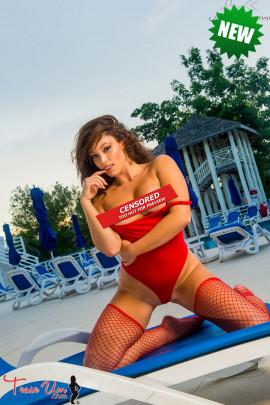 topless amateur teaseum model ashley hale