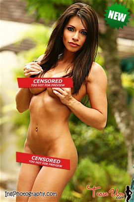 Stephanie Levine gorgeous outdoor shoot pic