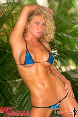 Amanda Nicole K huge boobs in tiny bikini