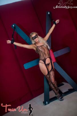 teaseum model full nude bondage pics