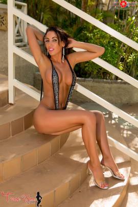 teaseum model tricia danielli slingshot bikini