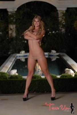 Dawnielle Royalty lean and sexy bikini model