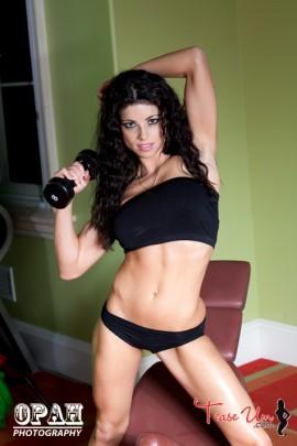 Diana Bello dumbbells workout model