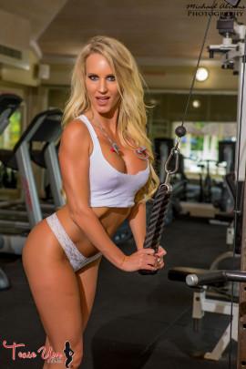 teaseum model jaime thompson workout girl