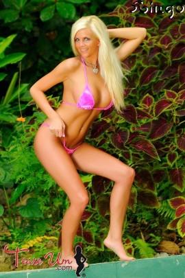 Kensi Lynn tall sexy bikini girl pic