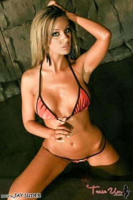 Meggin Marie cave pool shoot pic