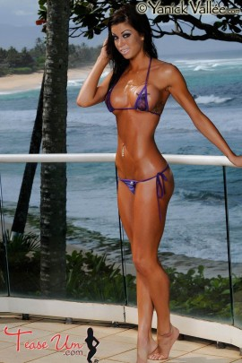 Nikki Nardini beautiful and tall model pic