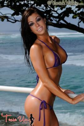 Nikki Nardini sexy babe in purple pic