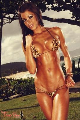 Nikki Nardini tall sexy brunette pic