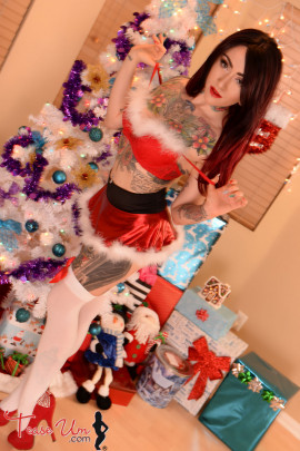 tattoos teaseum model trixie holiday pics