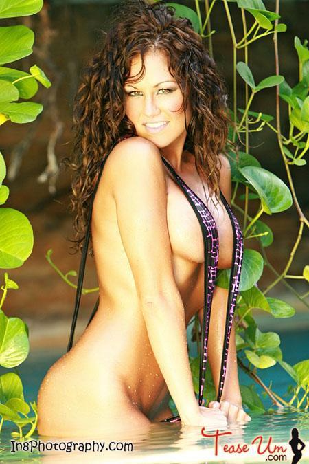Nicole Mast super hot slingshot beauty pic thumb 1