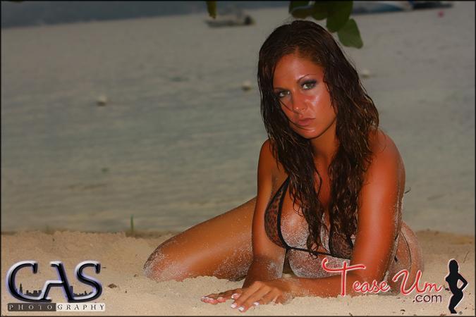 Nicole Mast teaseum bikini beauty pic thumb 1
