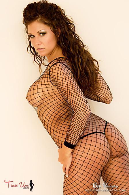 Nicole Mast hot babe in fishnet pic thumb 2