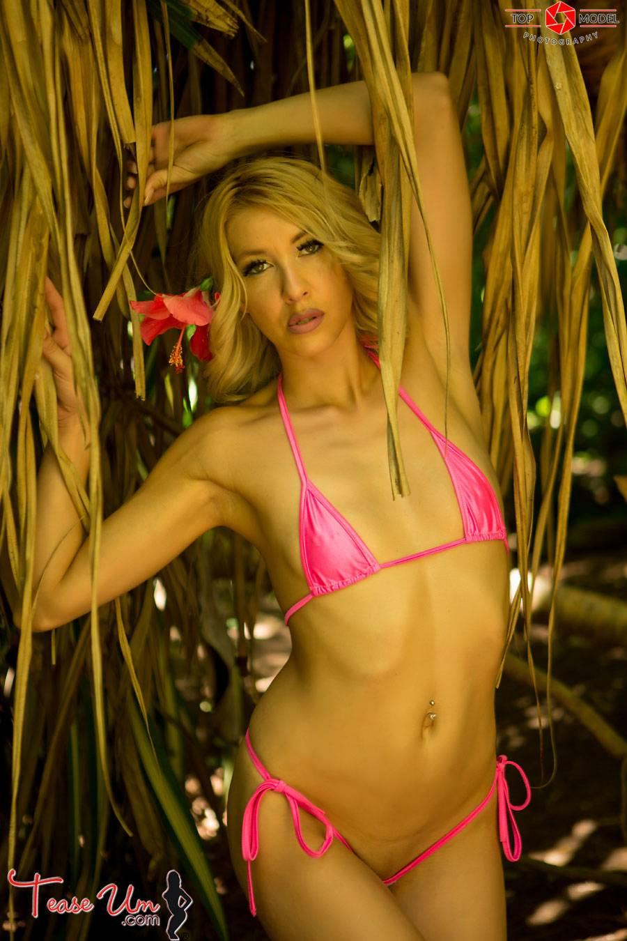 teaseum model lyndsey love naked pics thumb 1