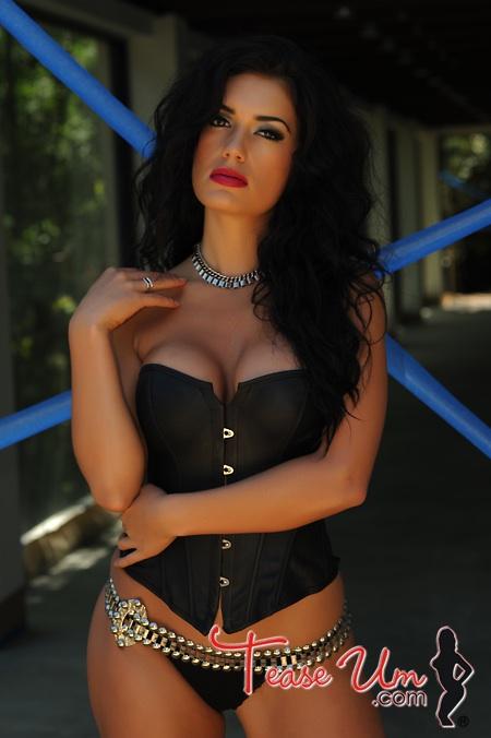 Horny European goddess Candy Sexton enjoying a big cock up her cunt № 827153 бесплатно