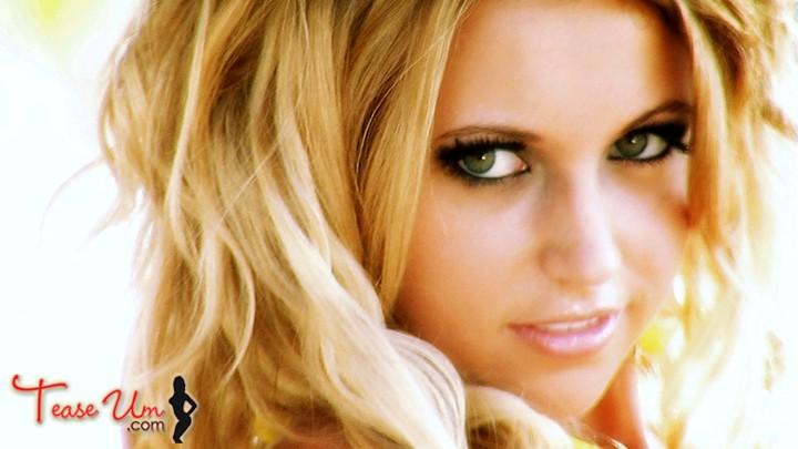 Heather Jo Gorgeous Blonde Beauty