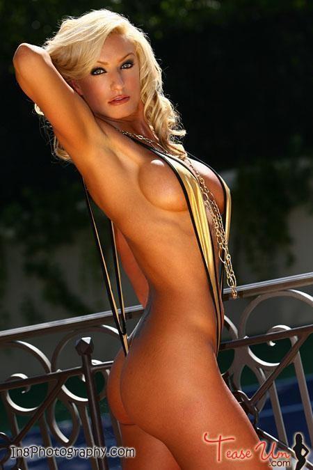 Jenny Sampson Amazing TeaseUm Bikini Babe