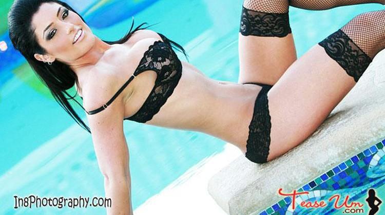 Natalie Nelson Amazing TeaseUm Bikini Beauty