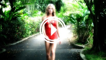 Melyssa Buhl is a hot red dress.